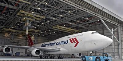 Na ruim drie jaren in de bijzondere 'Safari Connection' uitmonstering te hebben rondgevlogen is onze Boeing 747-400BCF, met registratie PH-MPS, weer voorzien van de kenmerkende en oorspronkelijke Martinair kleuren.